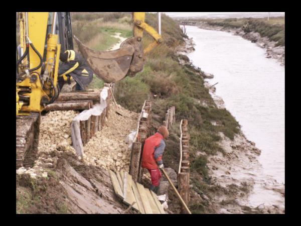 Réparation berges bord ocean atlantique